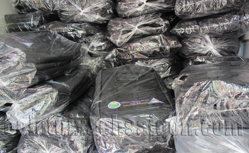 Balo xuất xưởng được đóng gói trong bọc Nylon chuyên dụng