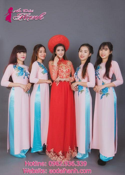 Cho thuê áo dài bưng quả ở trung tâm quận 1 Sài Gòn